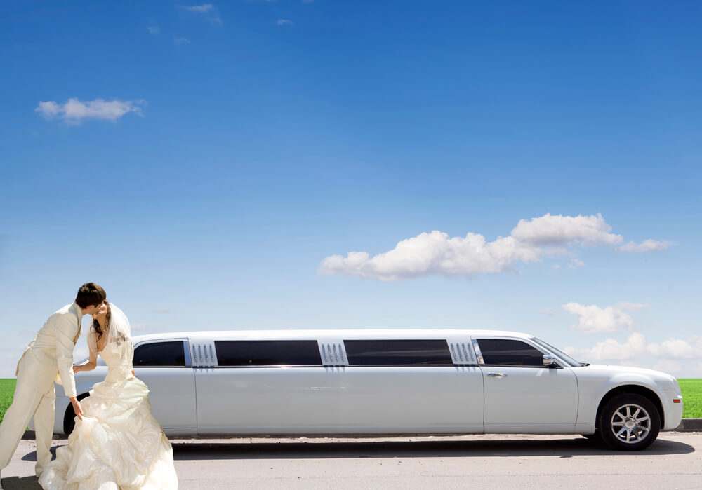 How Much Is a Limo Service for a Wedding?