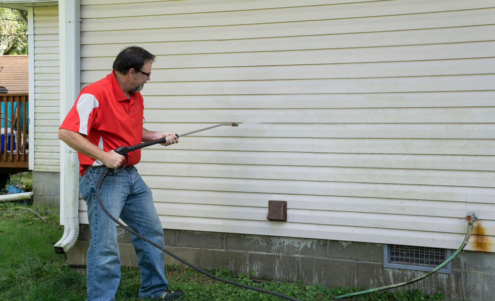 How much does it cost to pressure wash a house