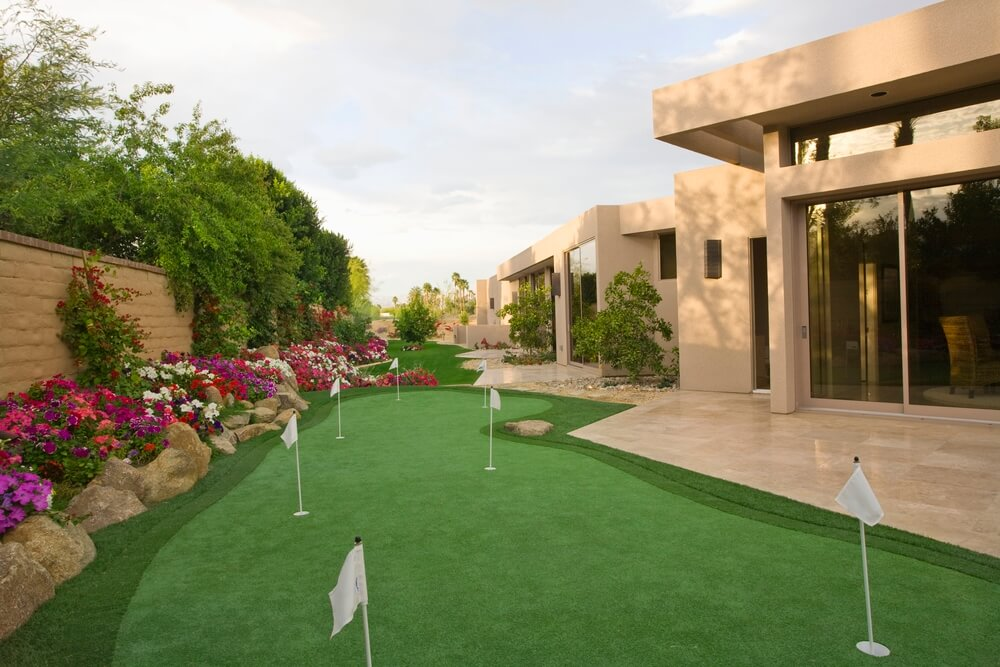 What Is the Best Artificial Grass for a Putting Green?